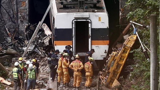 Transport minister lin overtakes responsibility for taiwan train crash