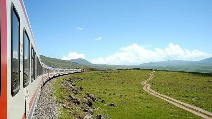 The first bed luxury train turkiyenin kapadokya express road is cikiyor