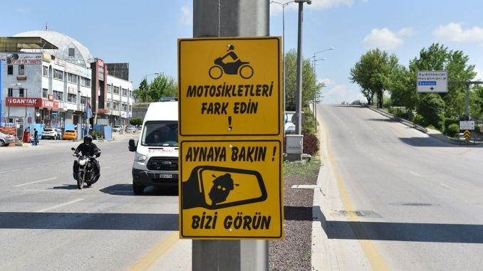 Awareness signs for motorcycle riders in the capital