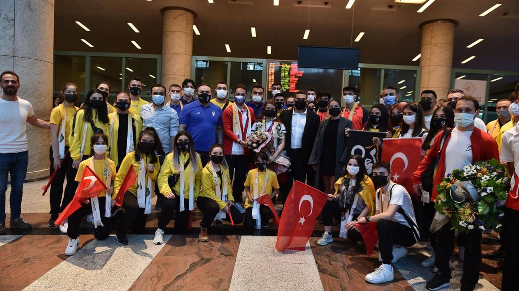 Ayse begum, the world champion of aerobic gymnastics with ego sports, was greeted with enthusiasm in the capital.