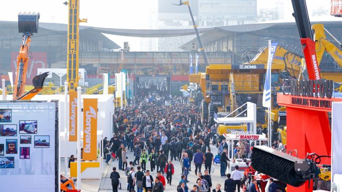 The construction machinery sector increased its turnover by percentage in the first quarter