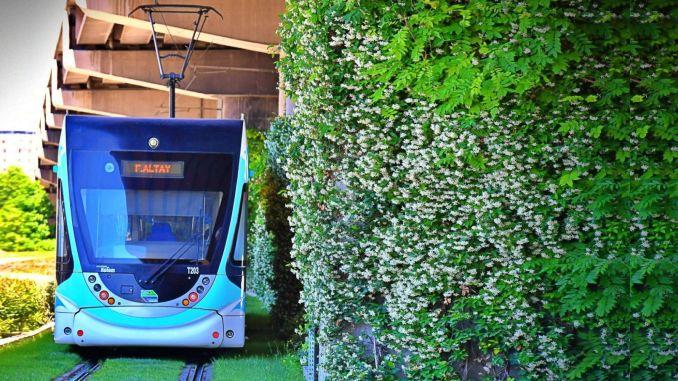 Transport og fodgængerakser af Izmir lugter af jasmin