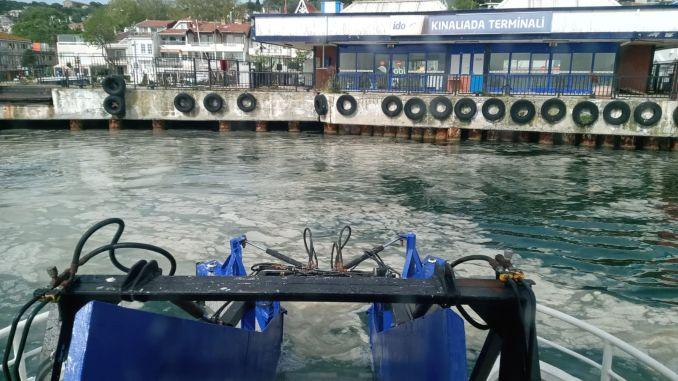 Statlige enheder kom sammen om havspyt, der fortsætter med at sprede sig i Marmara