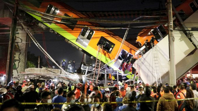 Metro bridge in mexico crashed and wounded