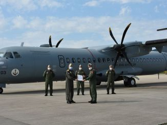 دخلت الطائرة الثالثة في مشروع ميلتيم الخدمة مع الحفل المنظم.