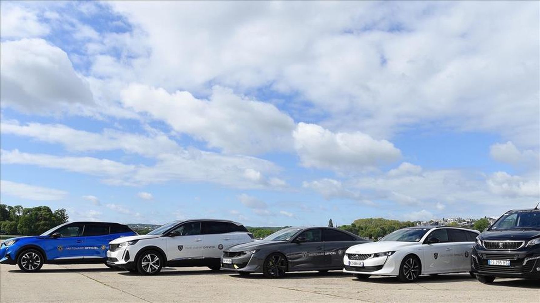 peugeot to provide transportation in france open tennis tournament