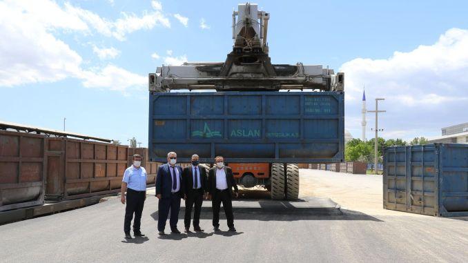 يتم تحميل مليون طن من البضائع سنويًا في منطقة تحميل TCDD Afyonkarahisar.