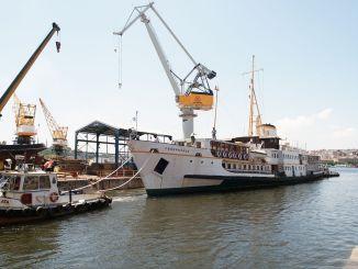 Phà fenerbahce lịch sử hàng năm được bảo trì tại nhà máy đóng tàu Halic