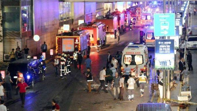 هجوم انتحاري مسلح وقصف في مطار أتاتورك