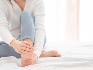 المشاكل التي تسبب آلام في القدمين