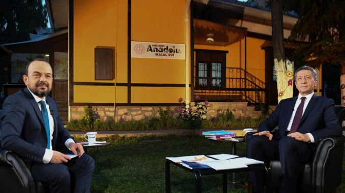 Minister Selcuk answered the questions on the education agenda