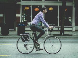 Τι πρέπει να προσέχετε όταν οδηγείτε ποδήλατο;