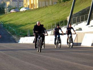 bmx verdensmesterskap vil bli arrangert i solsikker sykkeldalen