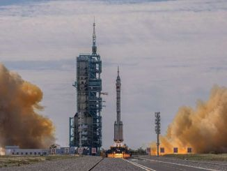 jin mengundang astronot asing untuk perjalanan luar angkasa bersama