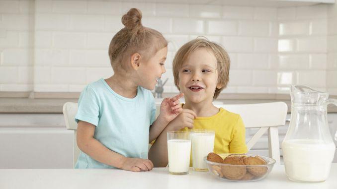 يمنح الحليب المستهلك في الطفولة صحة مدى الحياة