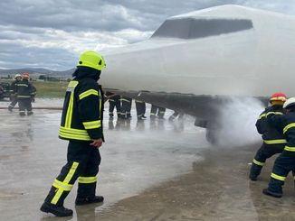 dhmiden gendarmerie การบิน การฝึกอบรมบุคลากรดับเพลิง