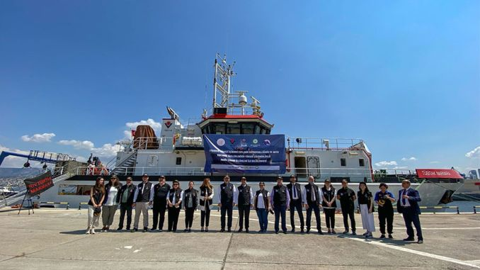 The tubitak mam ship, which will draw the earthquake map of the Aegean Sea, has started its expedition