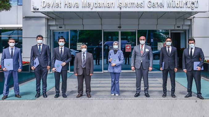 air traffic controllers who completed their training received their diplomas