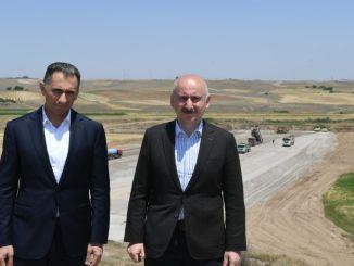 karaismailoglu untersuchte die Kutschenstudien in Karabagh