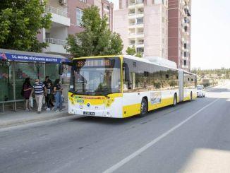 メルシンメトロポリタンの年齢以上の公共交通機関を呼びかける