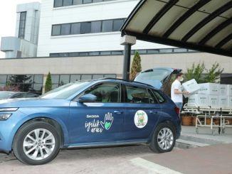 skoda labdarības transportlīdzeklis kalpo bērniem ar vēzi