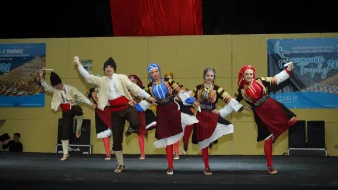 TROPHY INTERNATIONAL CULTURE AND FOLK DRESS FESTIVAL COLOR GECTI