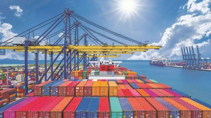 מסדרון המסחר של ג'ין סינגפור מוביל סחורות לנמל