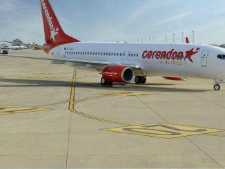 تقوم شركة Corendon Airlines بوضع طائرة في مطار بازل