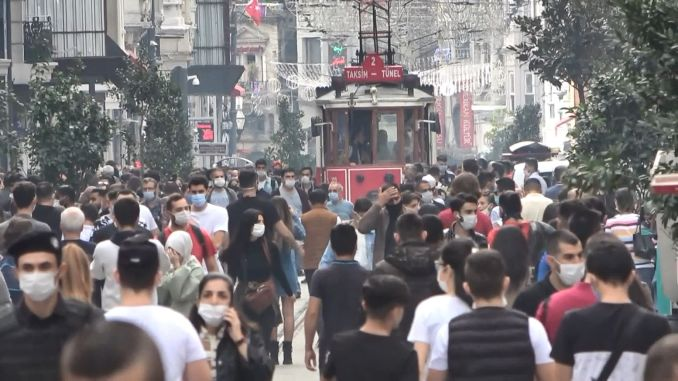 istanbul scientific advisory board warns against holiday crowd