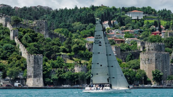 sailing in istanbul bosphorus