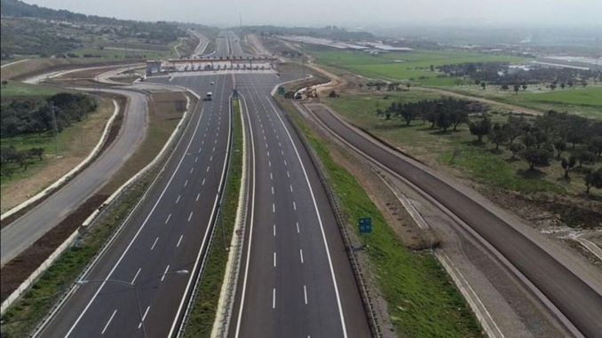Waiting times are decreasing at istanbul izmir highway tolls
