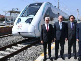 Националният електрически влак идва, за да добави мощност към железопътната линия