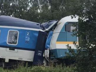 هناك العديد من القطارات القتلى والجرحى في تشيكيا