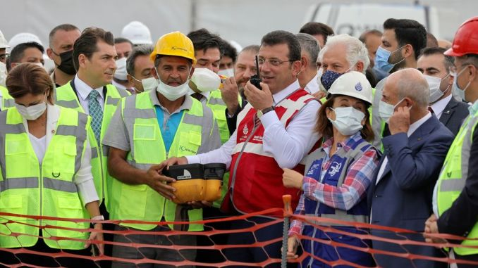 Imamoglu poured the first mortar for the new subway construction on the Victory Day