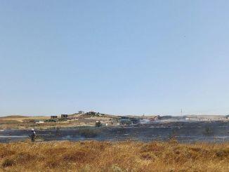 Izmirskí hasiči ukončili lesný požiar skôr, ako sa rozrástol