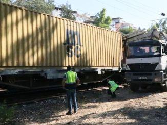v Izmire sa vykoľajil nákladný vlak, lety izbanu meškali