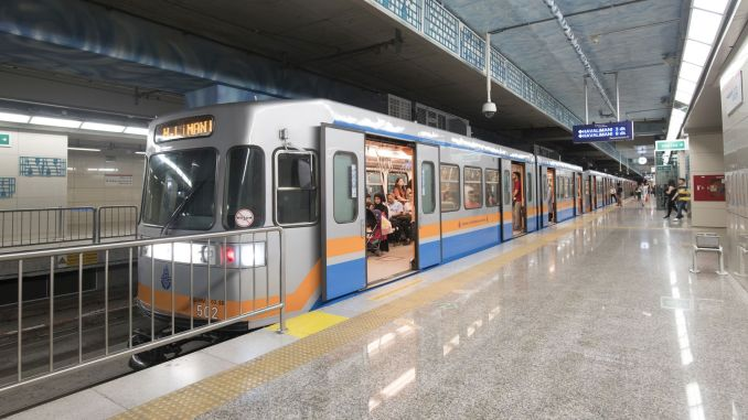 mechanic clothes will be renewed in metro istanbul
