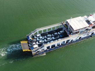 Građani i vozilo evakuisani su trajektom u Sinopu gdje se dogodila katastrofa.