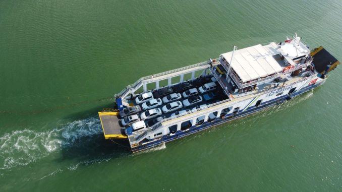 sel felaketinin yasandigi sinopta vatandas ve arac feribot ile tahliye edildi