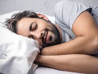 Tips for sleeping comfortably in the summer heat