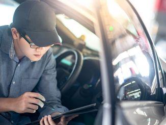 указао на велике добитке улагања компаније аисин у дигитализацију аутомобила