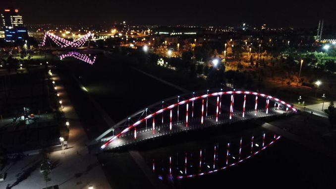 Mostovi u gradskom parku hudavendigar sjaje