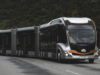 आईईटी मेट्रोबस अपने बेड़े को नवीनीकृत करने के लिए नई बस खरीदती है