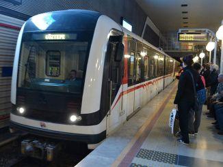 Soluția la problema traficului din Izmir este concentrarea asupra transportului feroviar și a transportului maritim.