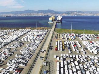 автомобильный экспорт в августе достиг миллиарда долларов
