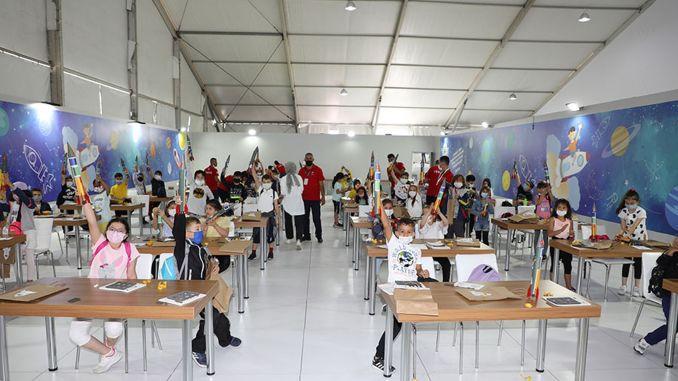 deca su dizajnirala rakete u radionici kadulja kadulja na technofestu