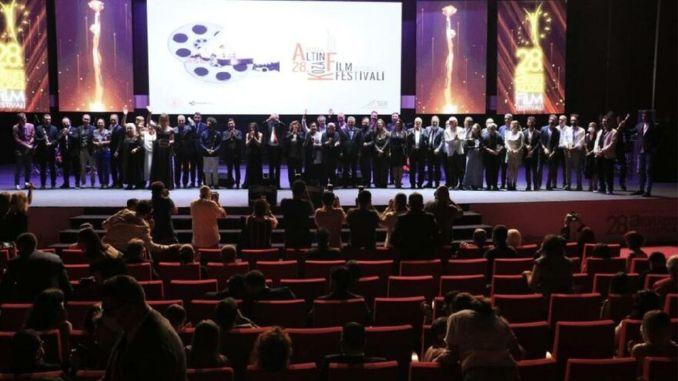 আন্তর্জাতিক আদানা গোল্ডেন বোল ফিল্ম ফেস্টিভাল পুরস্কার তাদের মালিকদের খুঁজে পেয়েছে