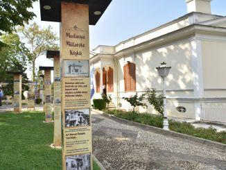 Hundert Jahre alte Bursa Koskler Ausstellung in Hunkar Koskun . für die Öffentlichkeit geöffnet