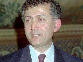 Ahmet Taner Kislali bei einem Bombenattentat ermordet