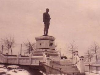 Ataturks første statue